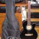 Verkaufe neuwertige Gitarre